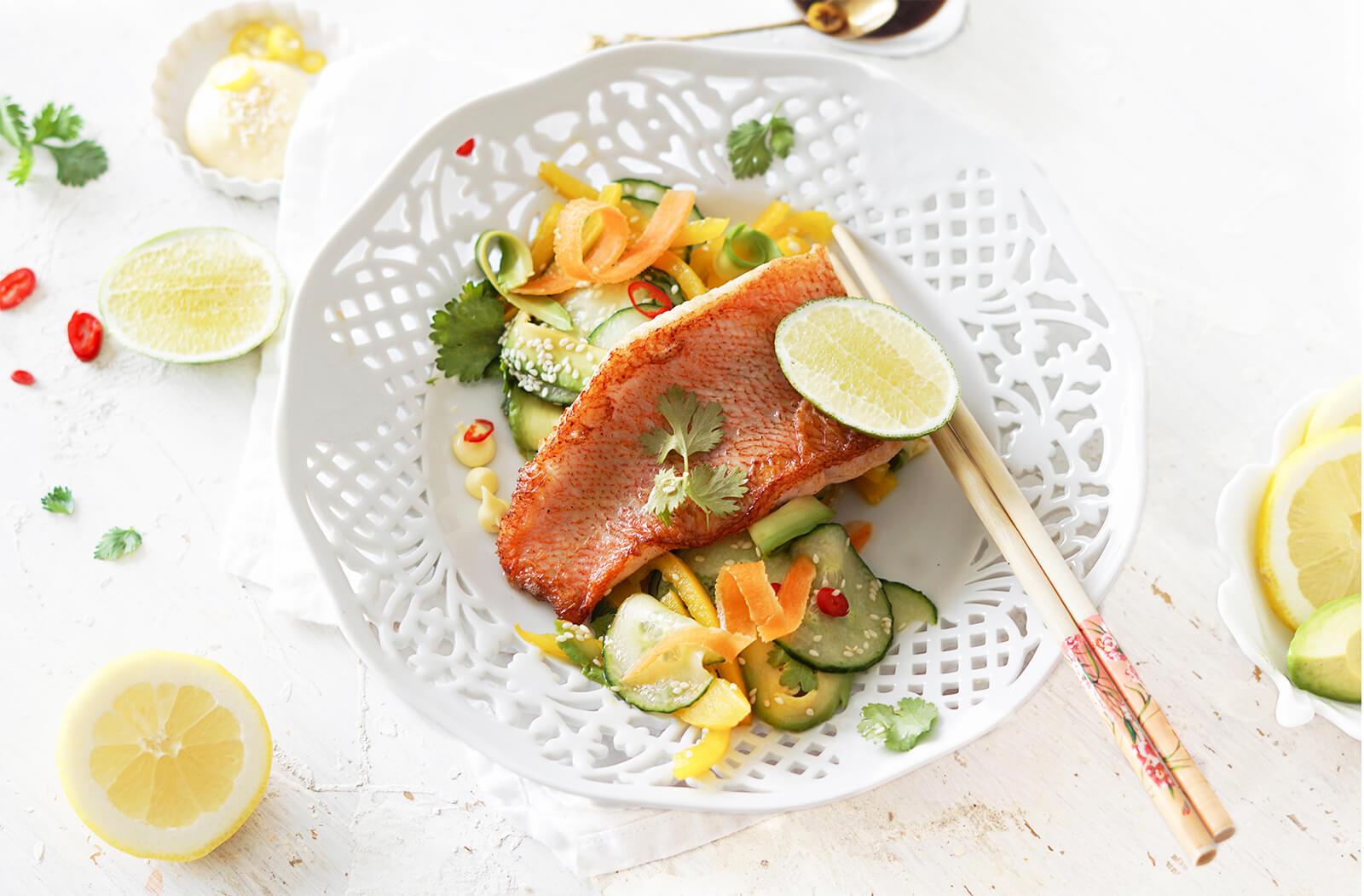 Rode mul met frisse Aziatische salade