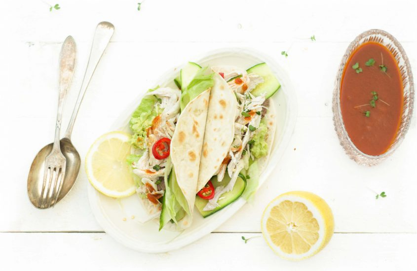Taco pulled chicken met avocado en chipotle