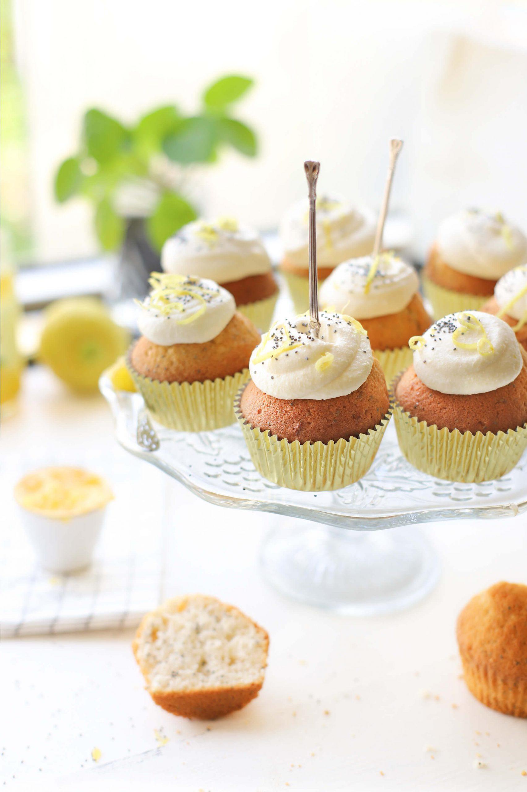 Citroen cupcakes met maanzaad & ricotta-lemoncurd 'Recept The lemon Kitchen