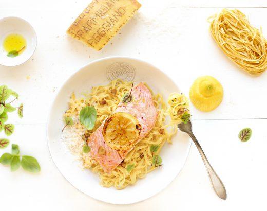 Citroen pasta met zalm en knoflook olie 'The Lemon Kitchen