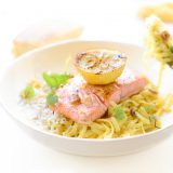Citroen pasta met zalm en knoflook olie 'The Lemon Kitchen