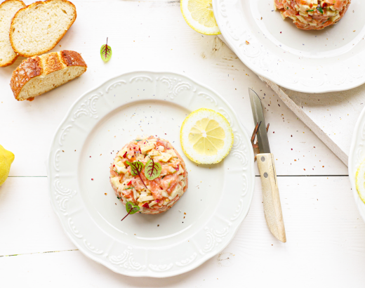Zalm tartaar met augurk, uitjes, mosterdzaad & citroen 'The Lemon Kitchen