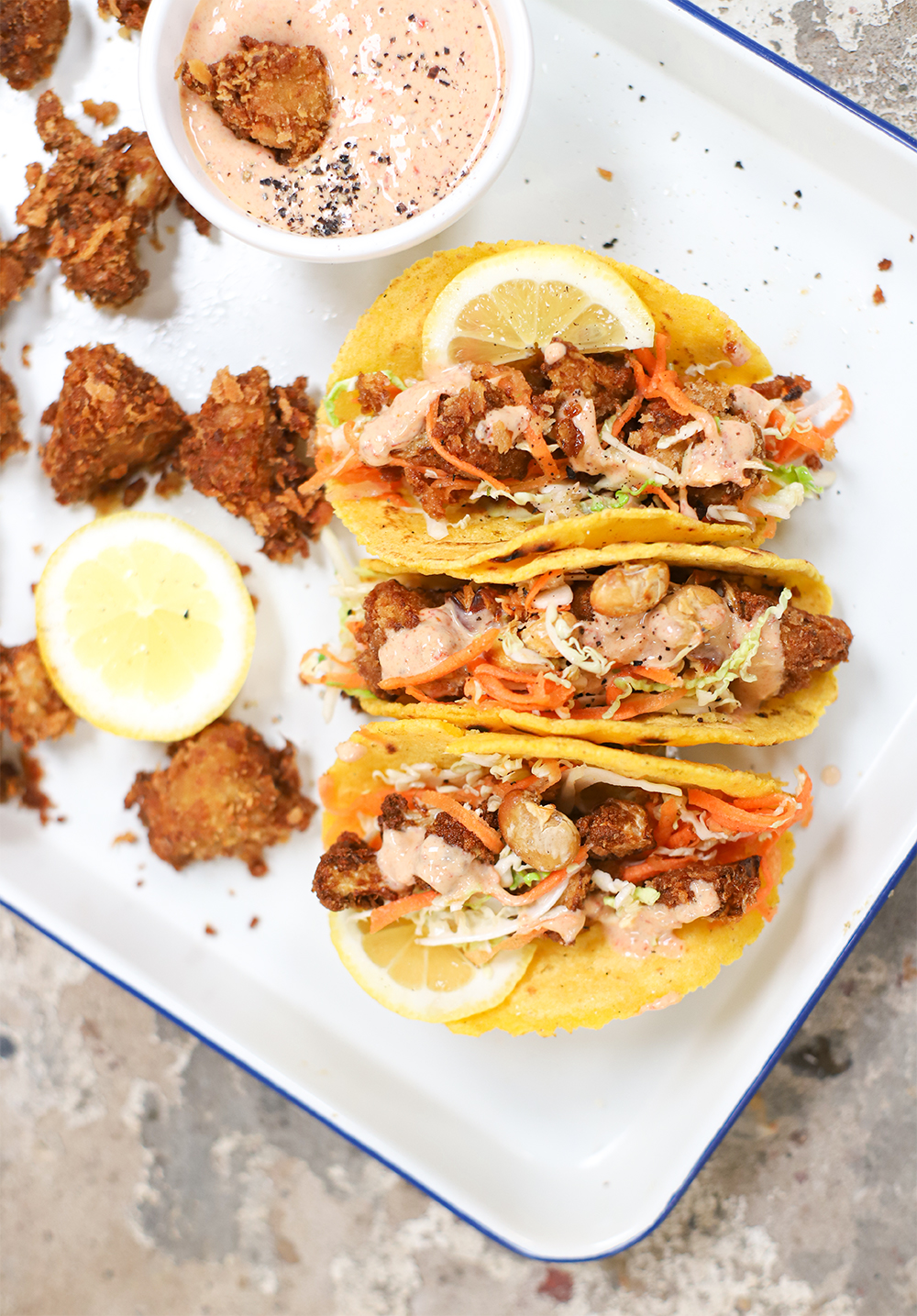 Taco's met krokante bloemkool, frisse koolsla & Chipotlé saus