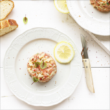 Zalm tartaar met augurk, uitjes, mosterdzaad & citroen 'The lemon Kitchen