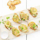 Crostini met gebakken citroen en makreel 'The Lemon Kitchen