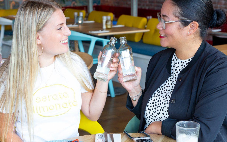 Plat of Bruisend water, wat vind jij het lekkerst? The Lemon Kitchen