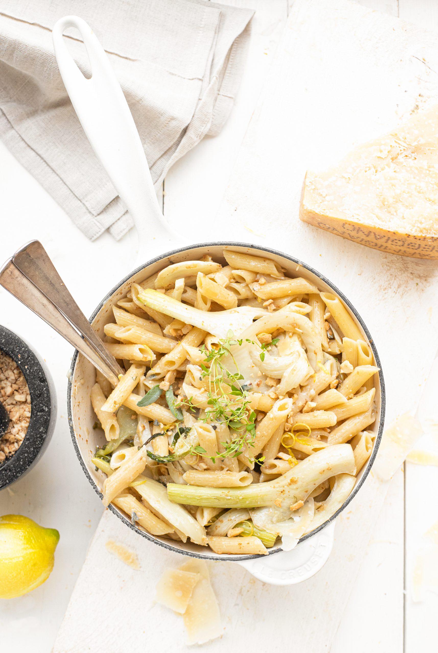Pasta met venkel, gorgonzolasaus en cashewnoten