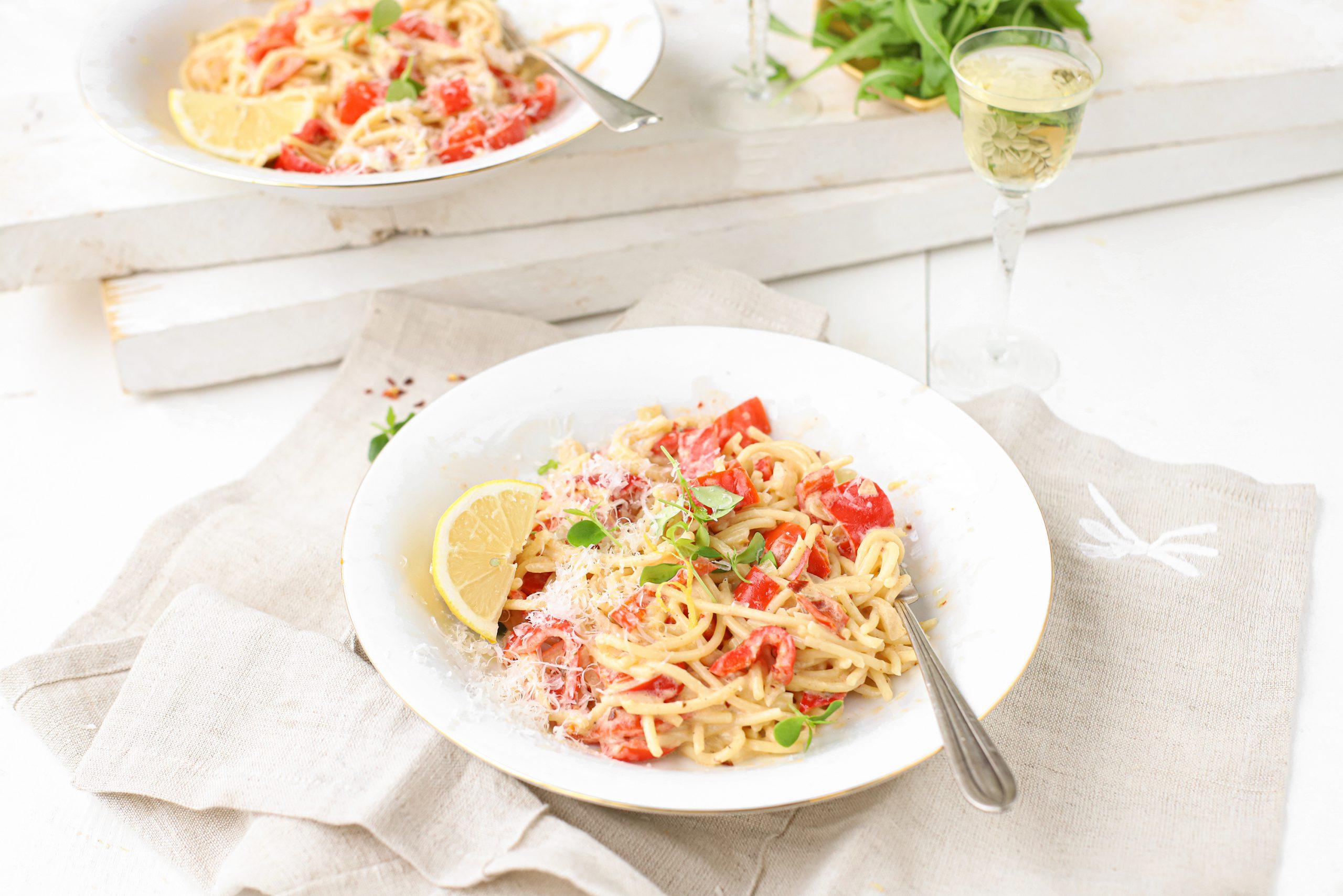 Spaghetti met paprika roomsaus & citroen