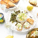 Eiersalade met citroen en augurkjes