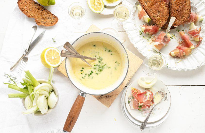 Kaasfondue met gorgonzola, citroen, appel & speck