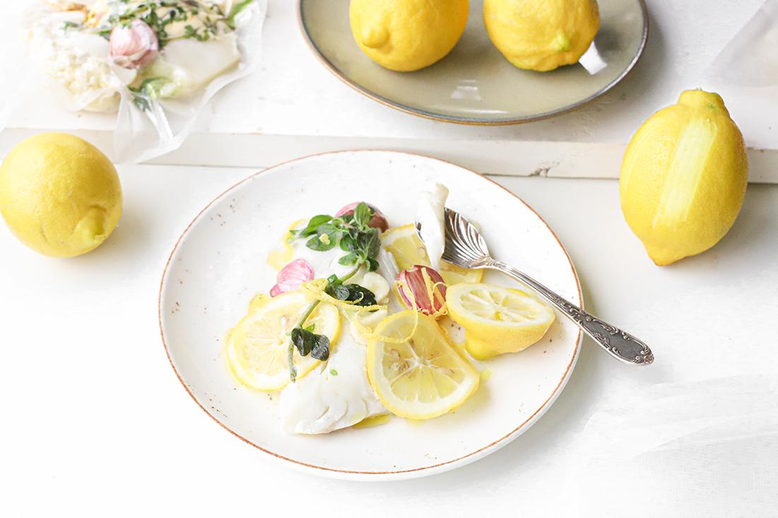 Sous-vide gegaarde witvis met knoflook & citroen