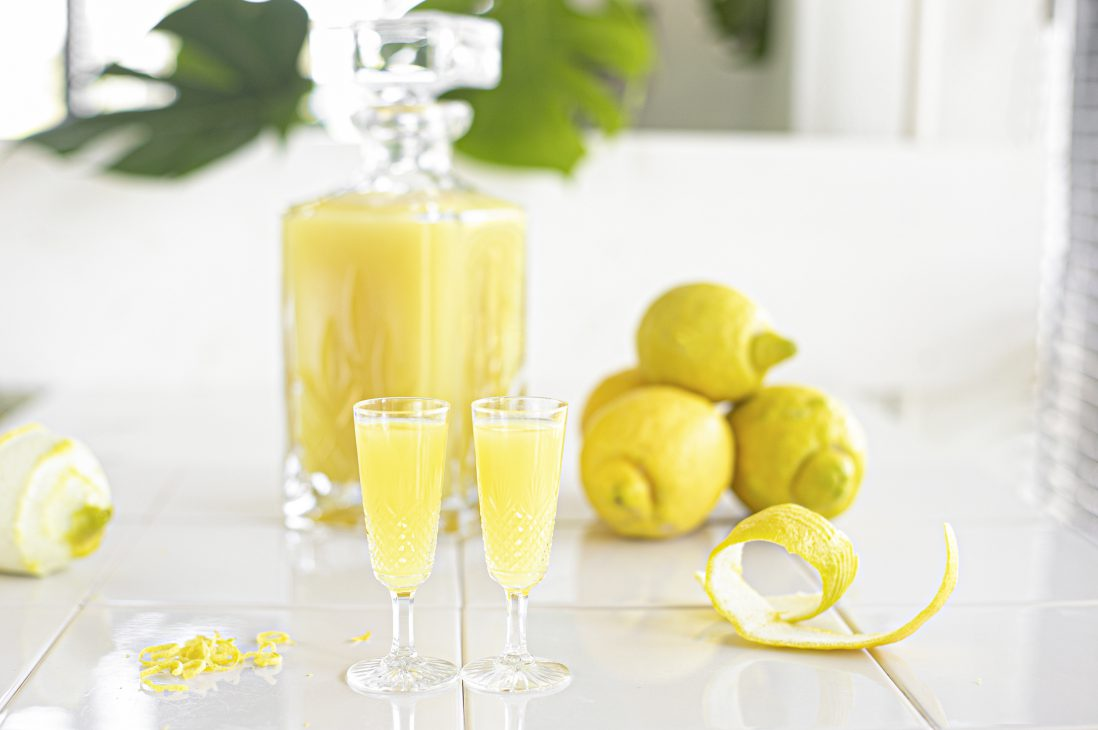 Limoncello uit The Lemon Kitchen Kookboek