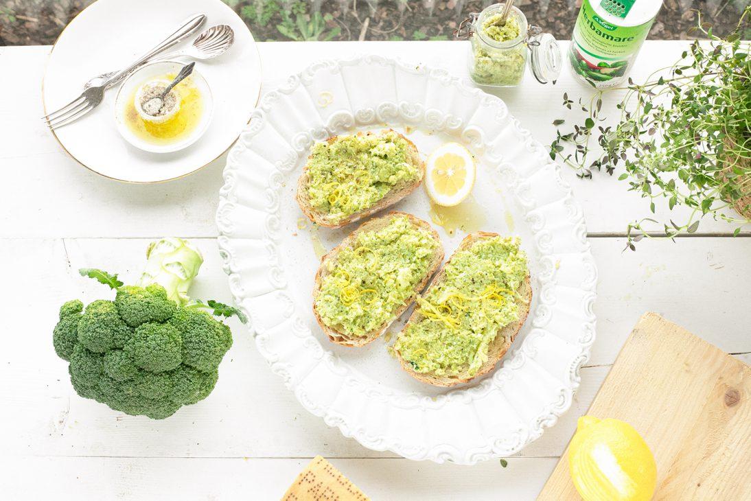 broccoli spread met parmezaanse kaas en citroen