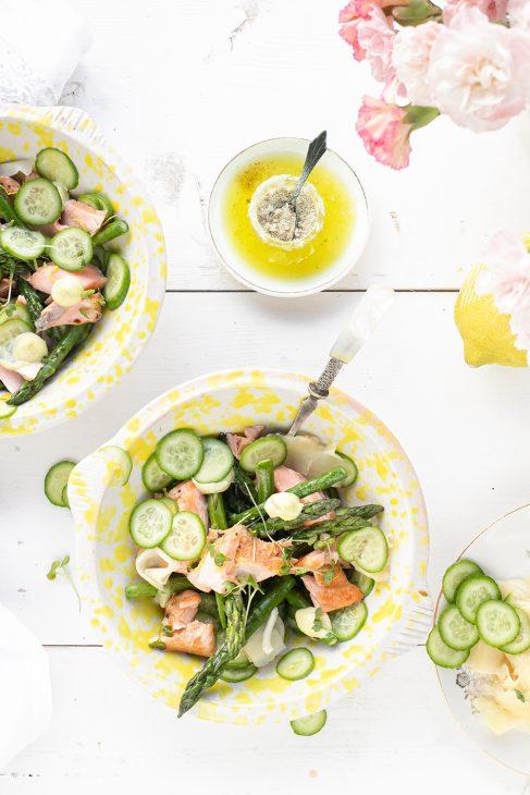 zalm, asperge en gember salade met citroen