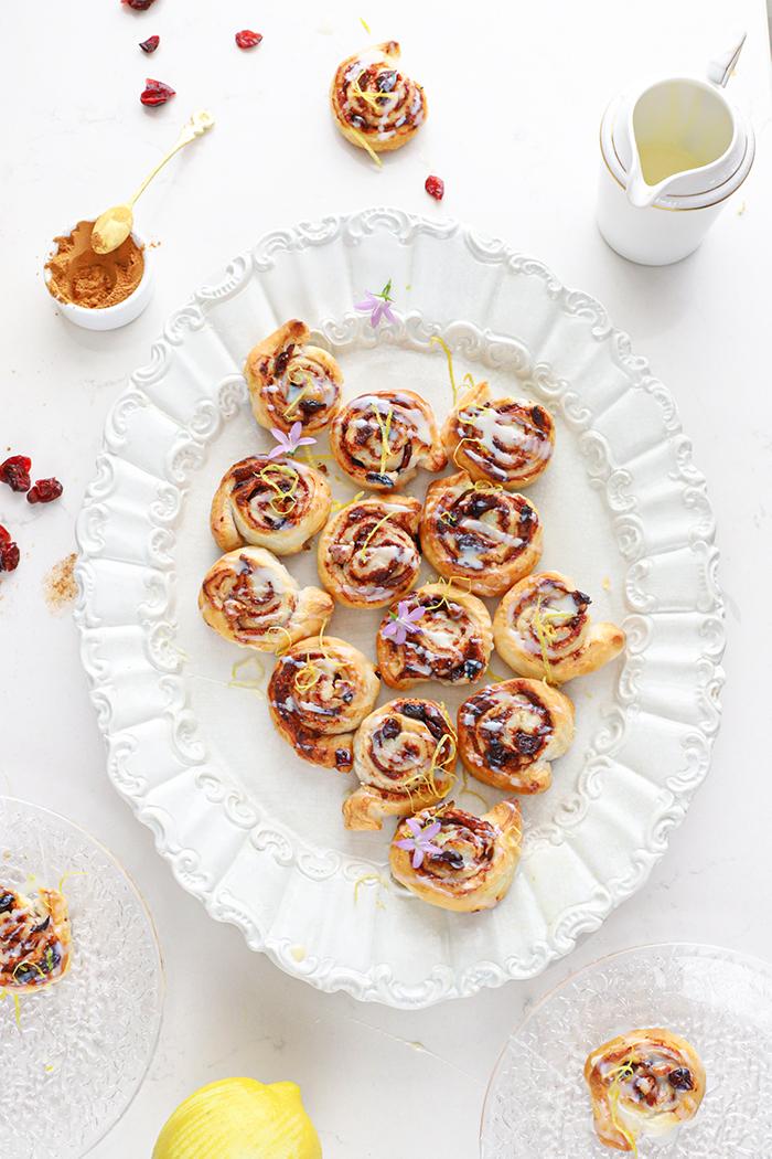Cinnamon rolls met citroen & cranberries
