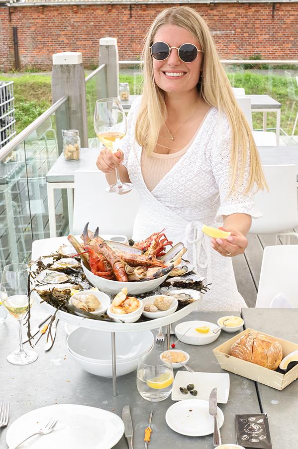 Tafel oesters rapen in yerseke Zeeland
