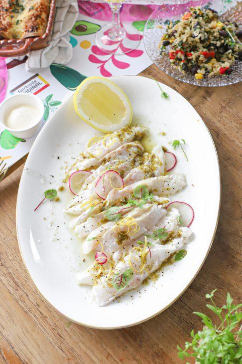 ceviche van zeebaars met salsa verde en citroen mexicaans