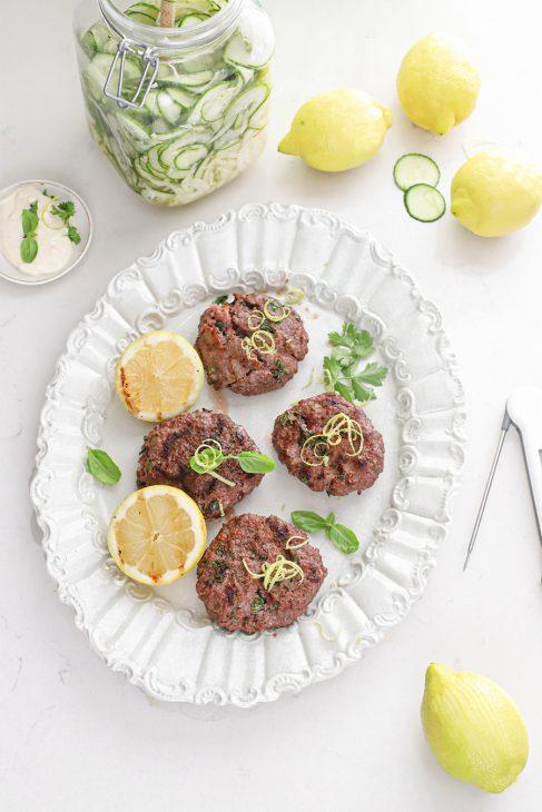perfecte hamburgers met citroen van de big green egg